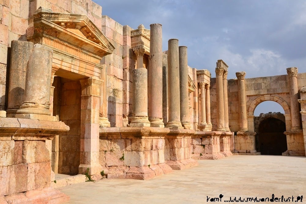 jerash_south_theatre