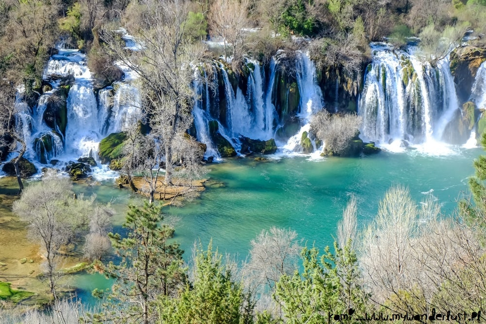 Places to visit in Bosnia and Herzegovina - Kravica Waterfall