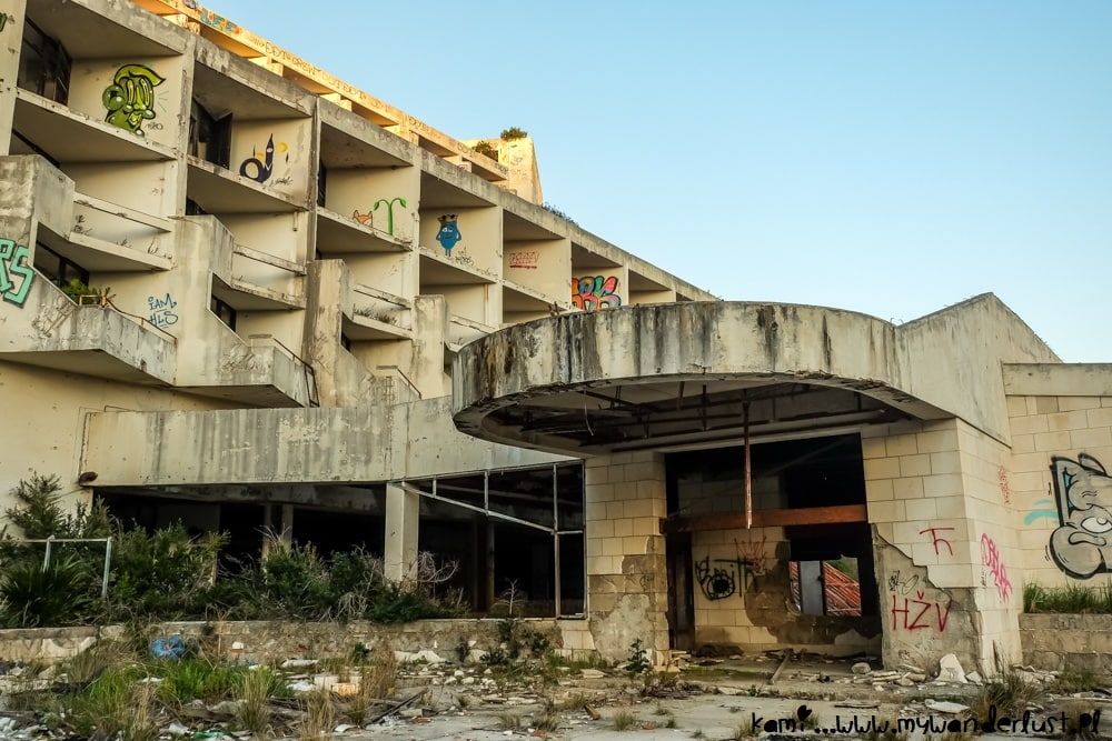 exploring abandoned places - Kupari